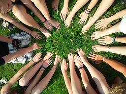 Groupes d'entraide et de soutien pour les addictions et dépendances